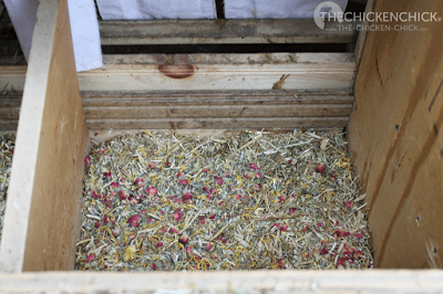 Spruce the Coop Herbal Fusion mixed into the nesting material makes for a welcoming nest!