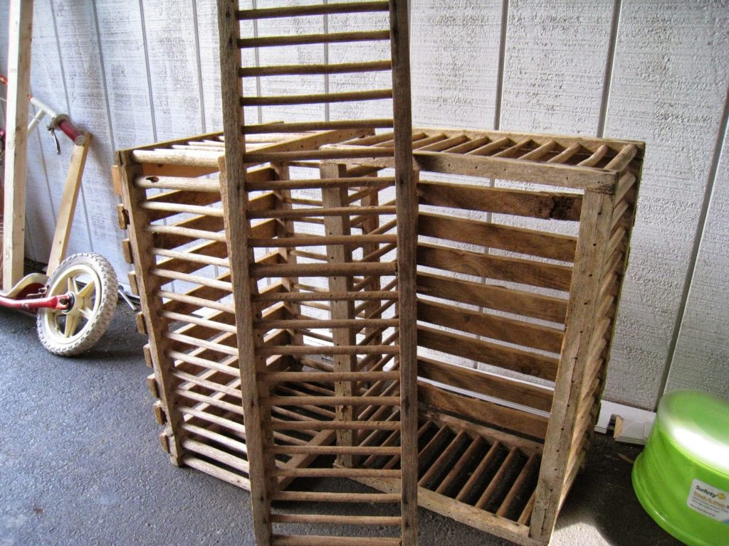 Chicken Crate Coffee Table, shared by Repurposed for Life