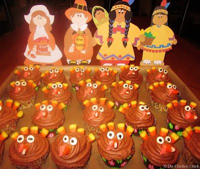 Turkey Cupcakes are quick and easy Thanksgiving treats that my kids and their classmates get a kick out of and so do I!