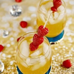 smirnoff-raspberry-passion-fruit-kiss-cocktail-725x1095