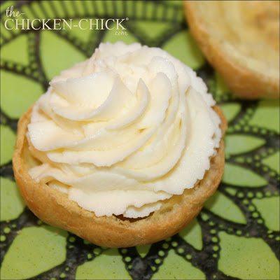 Ricotta cannoli-filled cream puffs