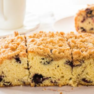 Blueberry-Buckle-Crumble-Cake_11-704x454